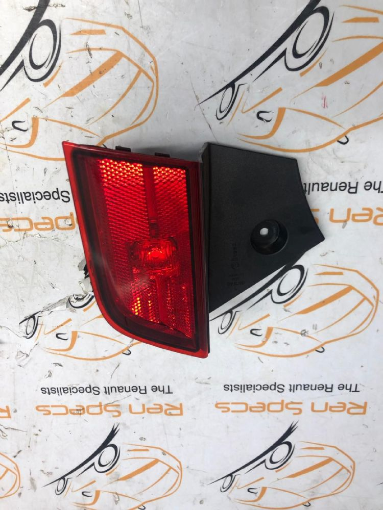 GENUINE MITSUBISHI SHOGUN 2019 REAR PASSENGER FOG LIGHT PN:8337A135